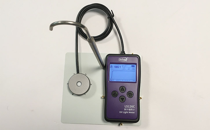 紫外辐照计测量紫外灯
