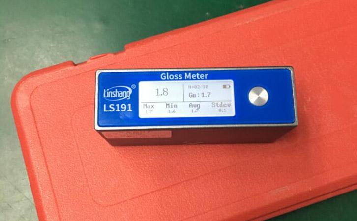 光泽度仪测量塑料光泽度