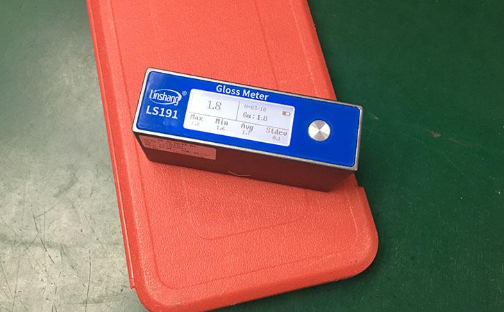 光泽度仪LS191测量塑胶材料