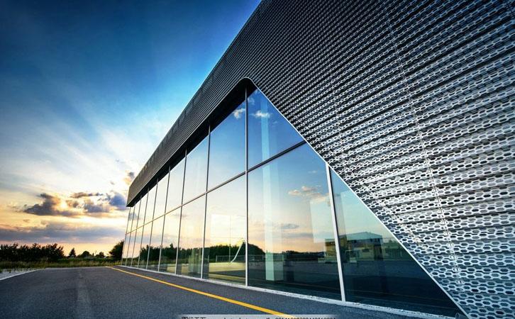 建筑玻璃贴膜的分类及其功能